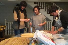 在杭州大嫂家包饺子