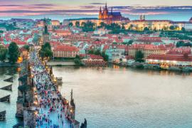 去哪个欧洲城市游览最经济实惠?- 清波门看世界
