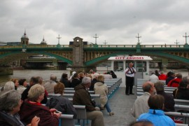 伦敦泰晤士河游船观光
